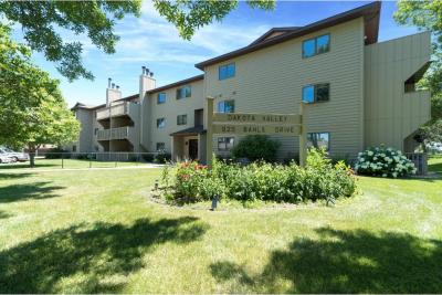 Photo of 925 Bahls Drive #307, Hastings, MN 55033