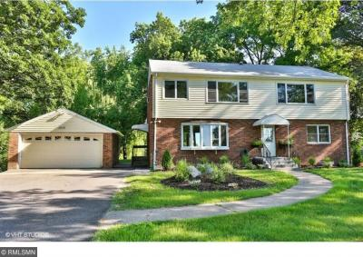Photo of 2473 Lake Avenue, White Bear Lake, MN 55110