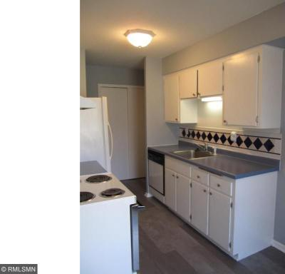 Photo of 910 S 6th Street #4, Hopkins, MN 55343