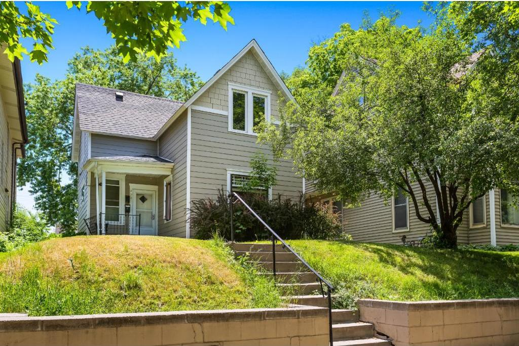 900 Thomas Avenue, Saint Paul, MN 55104