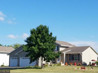Photo of 701 Heritage Lane, Belle Plaine, MN 56011