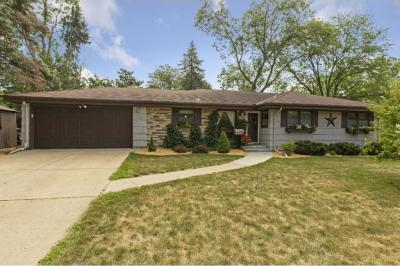 Photo of 2700 N Quail Avenue, Golden Valley, MN 55422