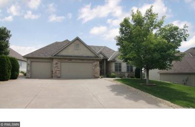 Photo of 3024 Carey Heights Drive, Maplewood, MN 55109