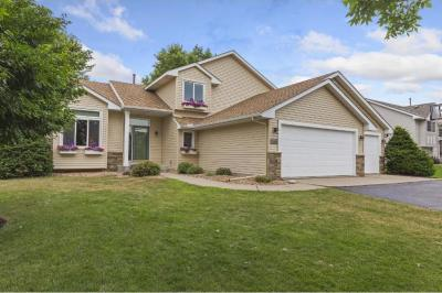 Photo of 17445 Grove Avenue, Lakeville, MN 55044