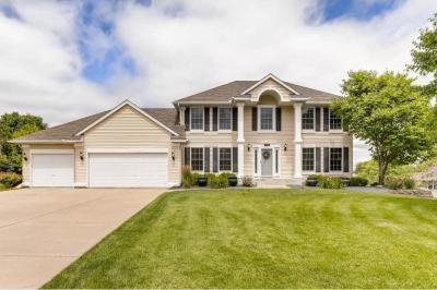 Photo of 902 Interlachen Echo, Woodbury, MN 55125