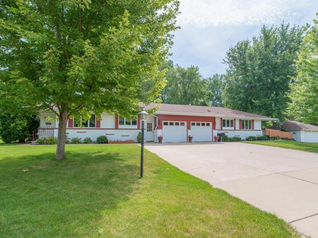 5330 N 33rd Avenue, Golden Valley, MN 55422
