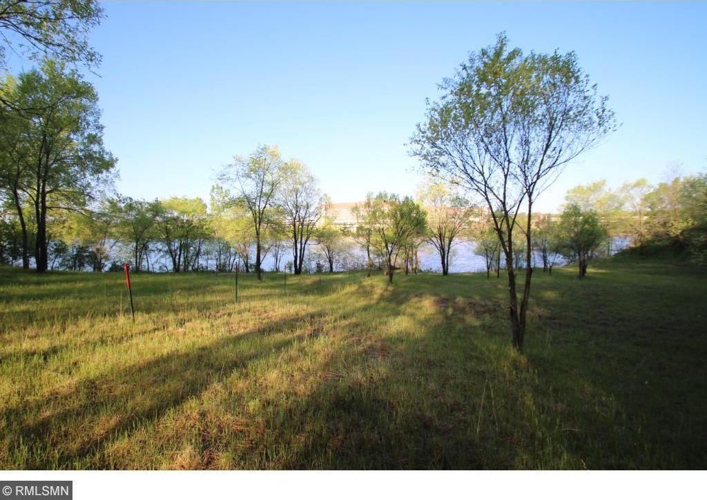 1209 Riverview Court, Sauk Rapids, MN 56379