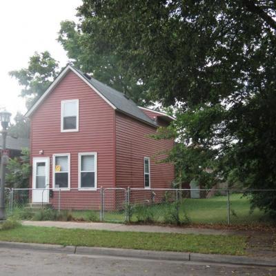 Photo of 652 Thomas Avenue, Saint Paul, MN 55104