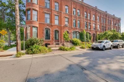 Photo of 326 18th Street #6, Minneapolis, MN 55404