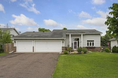 Photo of 2831 Carver Park Circle, Woodbury, MN 55125