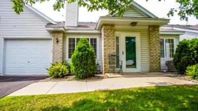 Photo of 15209 Greenhaven Way, Burnsville, MN 55306