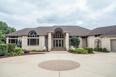 9720 Towering Oaks Curve, Credit River Twp, MN 55372