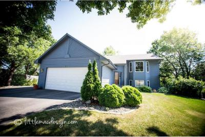 Photo of 2201 Westcliffe Court, Burnsville, MN 55306