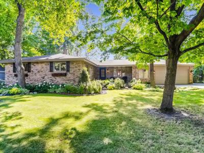 Photo of 2721 N Comstock Lane, Plymouth, MN 55447