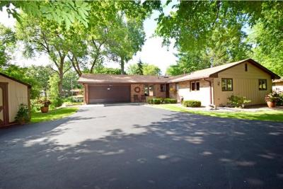 Photo of 1001 N Quebec Avenue, Golden Valley, MN 55427