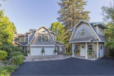 Photo of 4530 London Road, Duluth, MN 55804