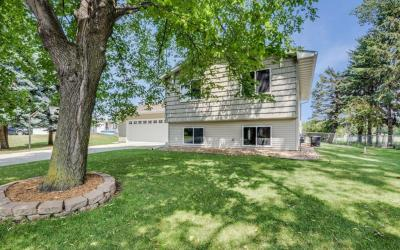 Photo of 9752 N Union Terrace Lane, Maple Grove, MN 55369
