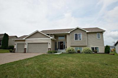 Photo of 820 Lindsey Lane, Belle Plaine, MN 56011