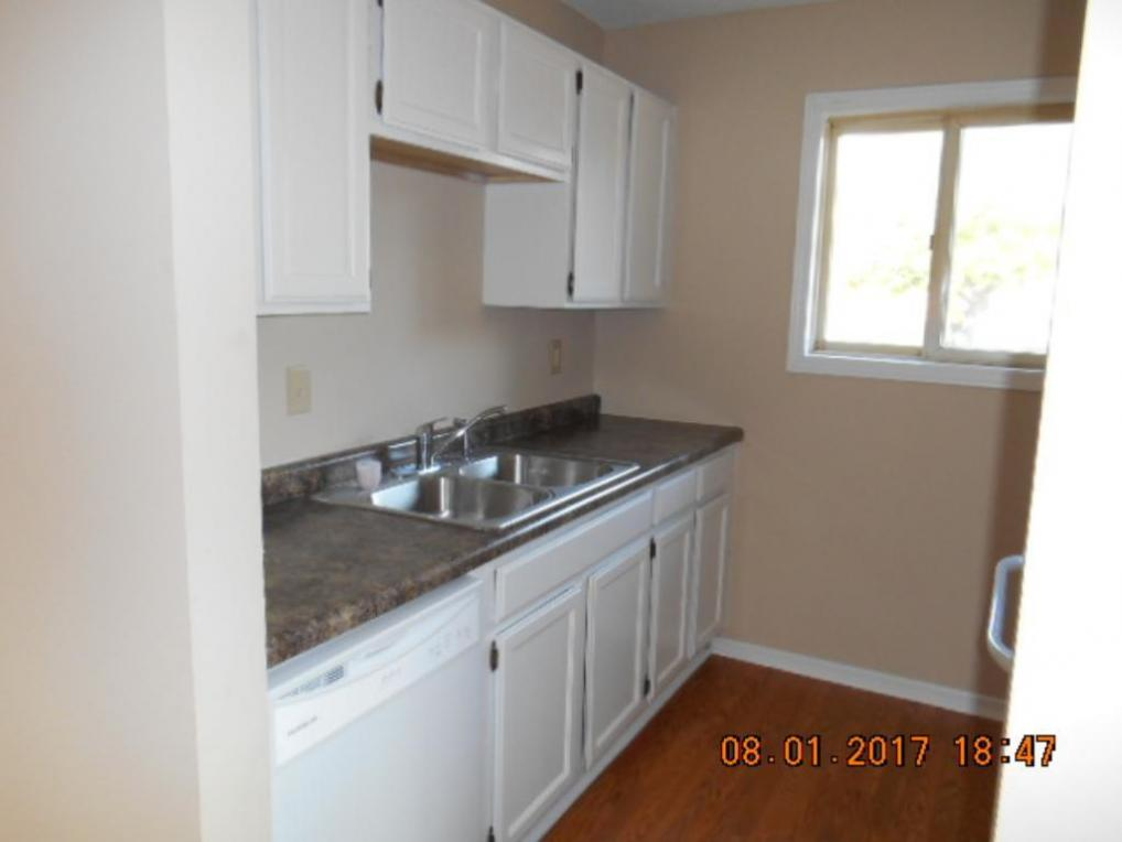 13971 N 60th Street #108, Oak Park Heights, MN 55082