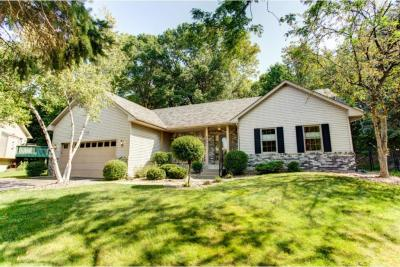 Photo of 2441 E Linwood Court, Maplewood, MN 55119