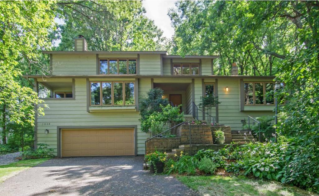 1004 Chatsworth Place, Shoreview, MN 55126