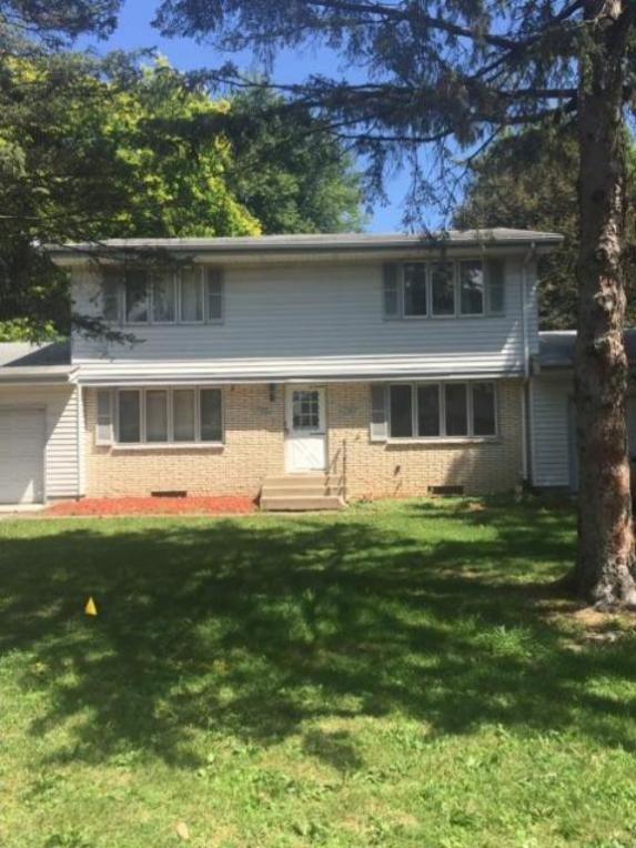 1712 Gurney Street, Maplewood, MN 55117