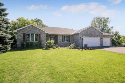 Photo of 1378 N Myrtle Street, Maplewood, MN 55119