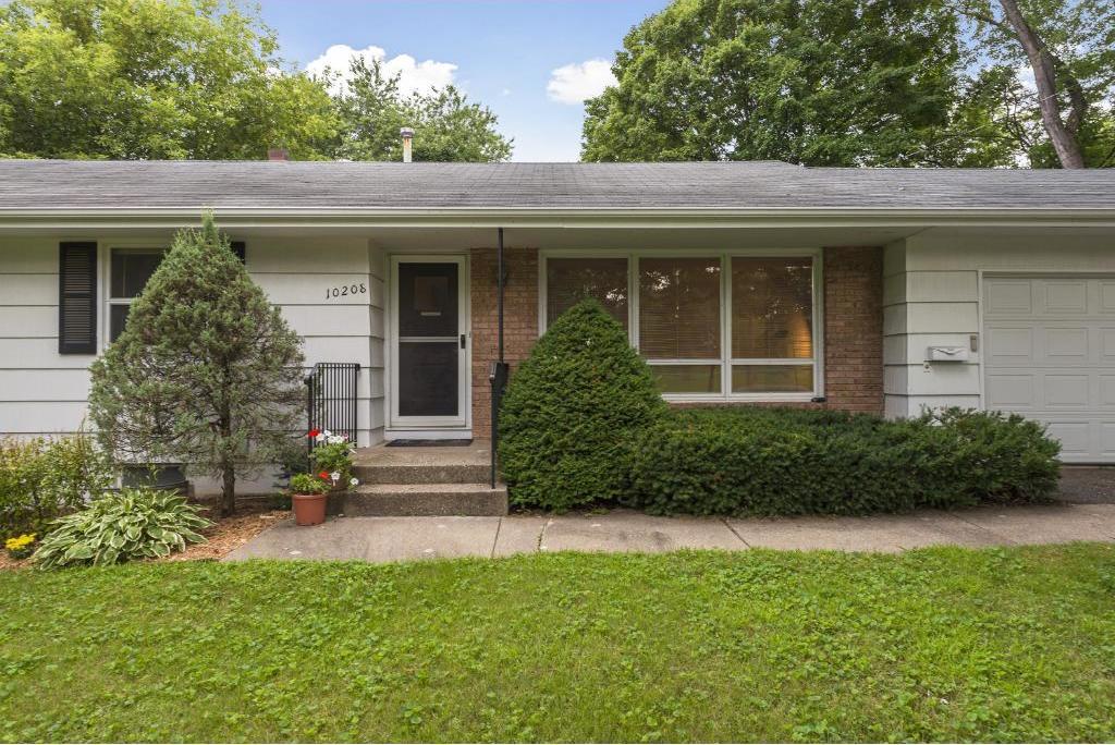 10208 S Drew Avenue, Bloomington, MN 55431