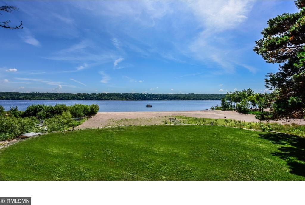 2459 S River Road, Saint Marys Point, MN 55043