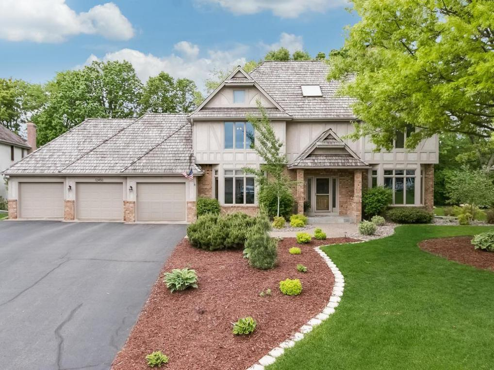 12450 N 44th Place, Plymouth, MN 55442