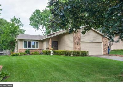 Photo of 1006 W 157th Street, Lakeville, MN 55044