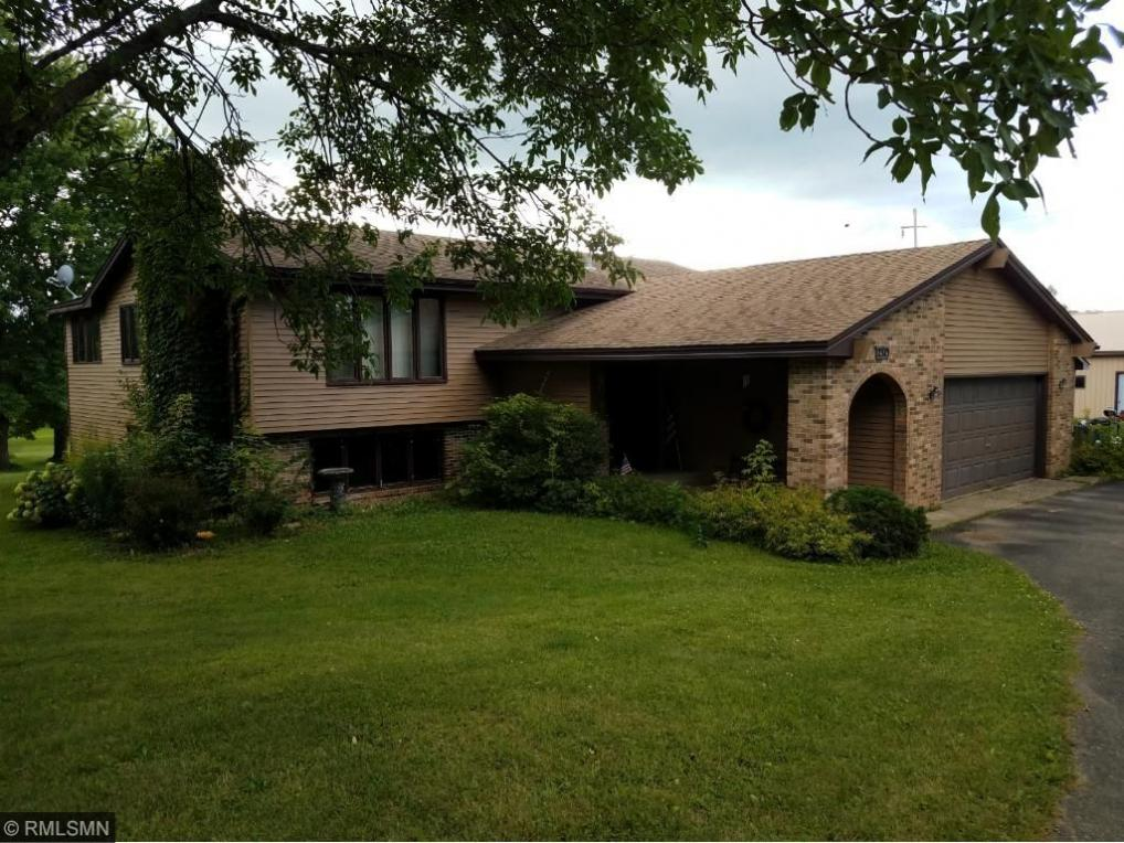 2375 Old Post Road, Independence, MN 55359