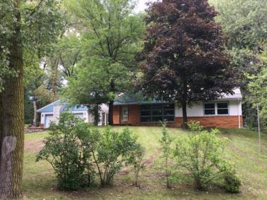 437 E Sextant Avenue, Little Canada, MN 55117
