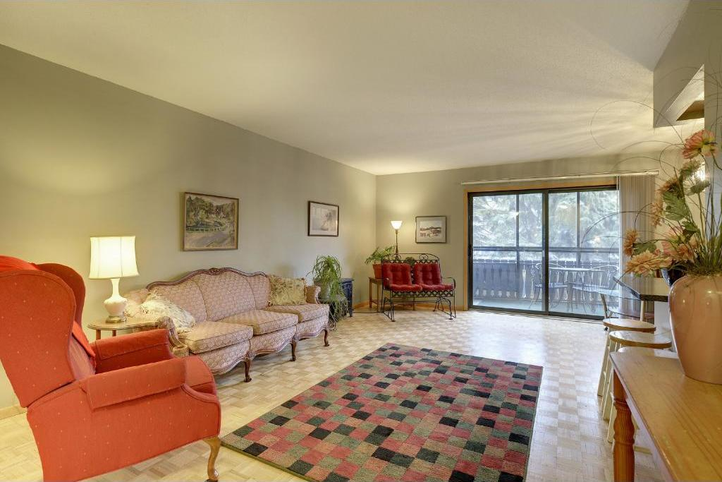 400 Groveland Avenue #207, Minneapolis, MN 55403