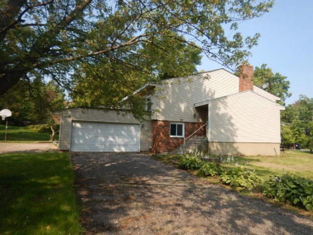 5590 Timber Lane, Shorewood, MN 55331