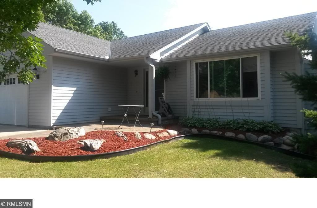 889 S Woodridge Drive, Chaska, MN 55318