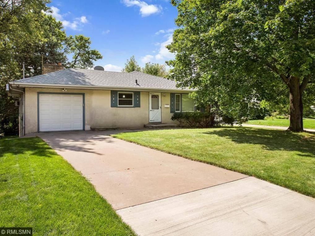 4017 N Lake Drive Avenue, Robbinsdale, MN 55422