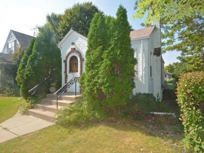 Photo of 303 Warwick Street, Saint Paul, MN 55105