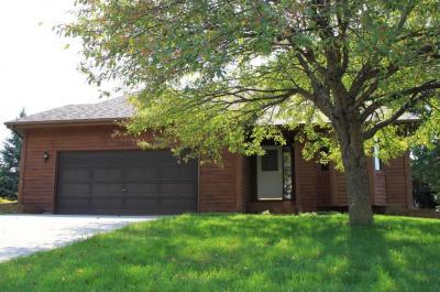 Photo of 1521 Bruers Court, Chaska, MN 55318