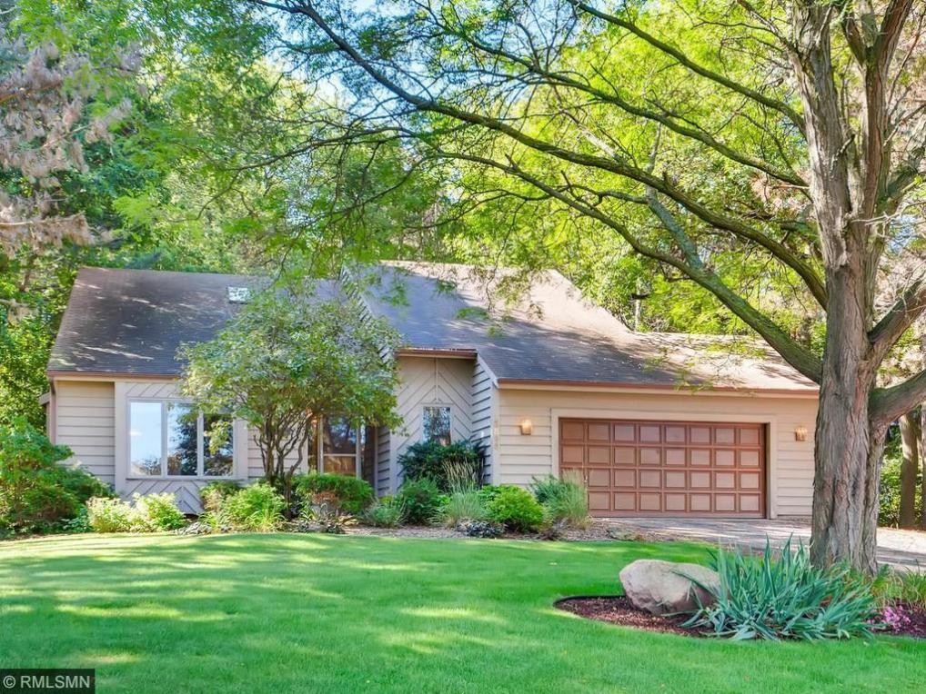 15896 Garden View Drive, Apple Valley, MN 55124