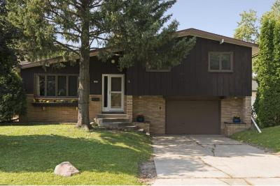 Photo of 1909 N Independence Avenue, Golden Valley, MN 55427