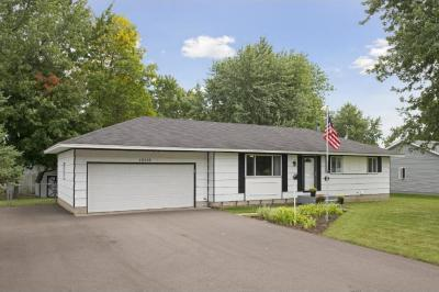 Photo of 16516 W Flagstaff Avenue, Lakeville, MN 55068