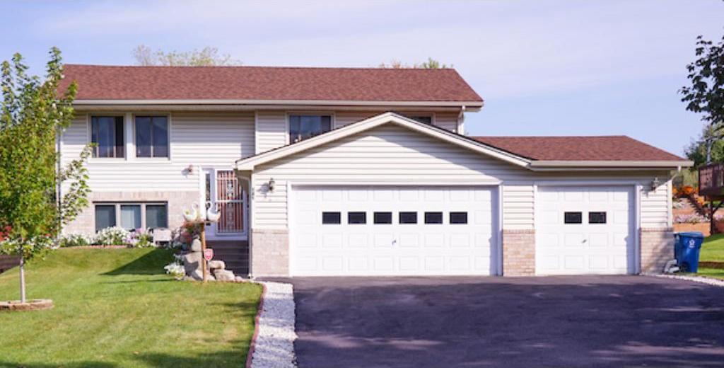 141 Yorkton Ridge, Little Canada, MN 55117