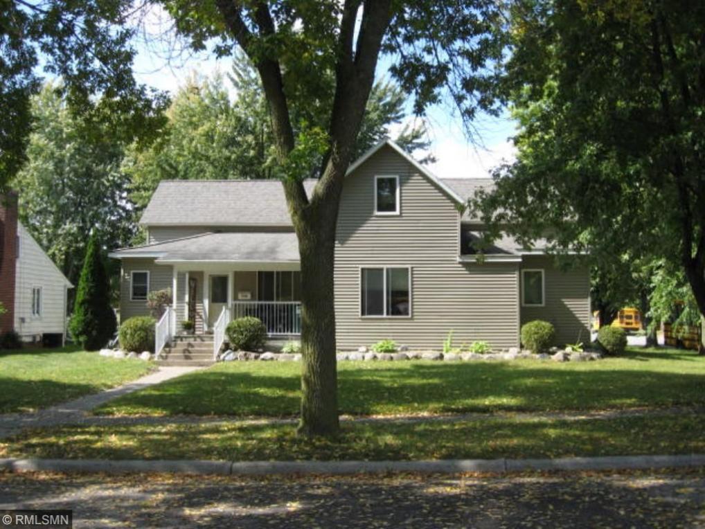 1129 N Louden Avenue, Glencoe, MN 55336