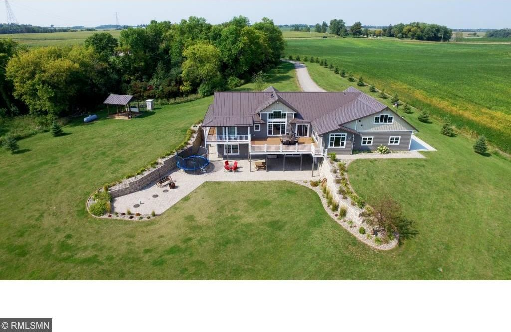520 NW Hoyt Avenue, Annandale, MN 55302