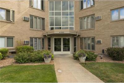 Photo of 4350 Brookside Court #115, Edina, MN 55436