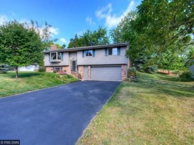 Photo of 10407 Nicollet Circle, Bloomington, MN 55420