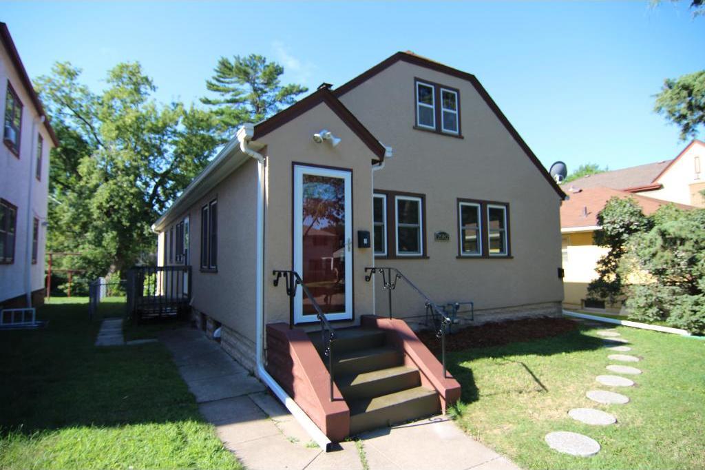 2082 Randolph Avenue, Saint Paul, MN 55105