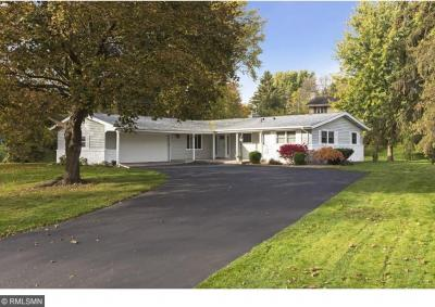 Photo of 2091 E Kenwood Drive, Maplewood, MN 55117