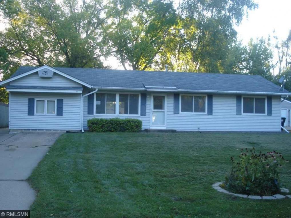 10408 NW Arrowhead Street, Coon Rapids, MN 55433